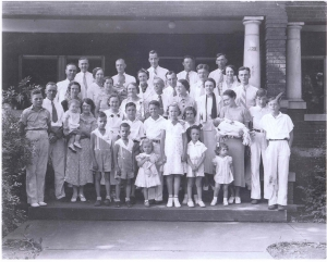 Maymie and Edward Rittenhouse with 10 Children & Grandchildren